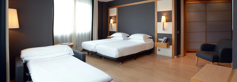 Triple Room - Hotel Barcelona Universal
