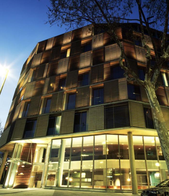 B Hotel facade (6)