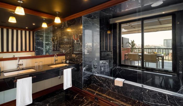 Bathroom Top