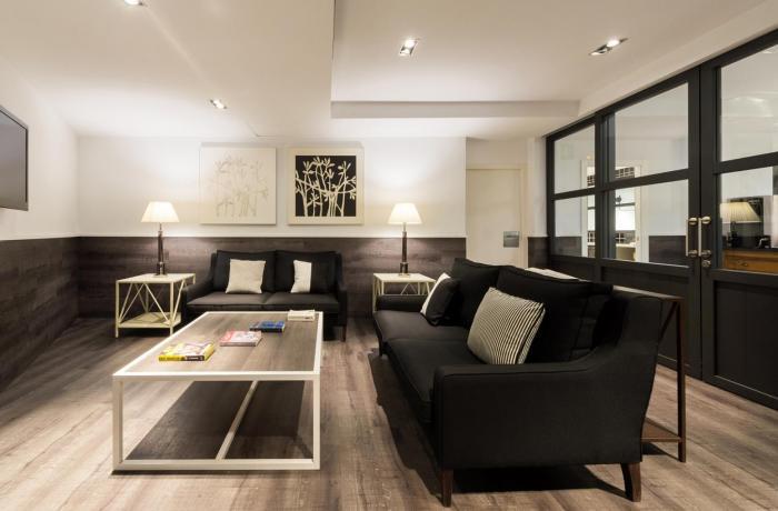 Hotel Paral·lel TV Room