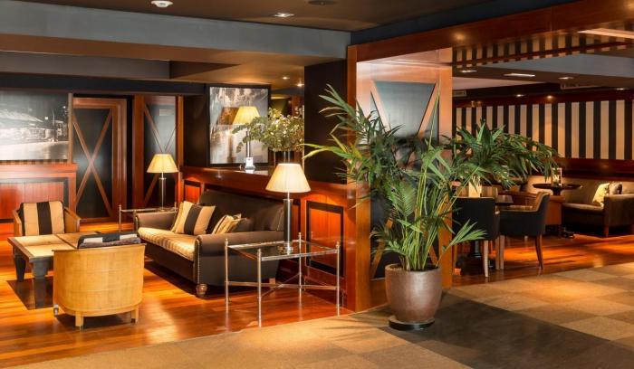 Lobby Hotel U232 (1)