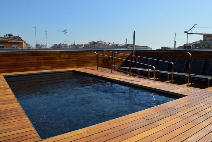 H tel avec piscine et terrasse dans l 39 eixample - Champoluc hotel con piscina ...