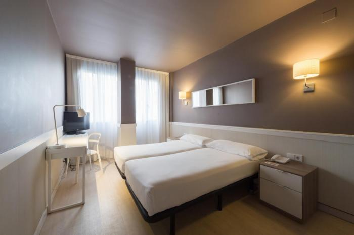 Standard Twin Room - Hotel Paral·lel